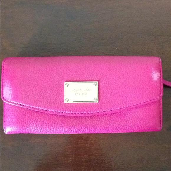 Michael Kors Handbags - Fuchsia Michael Kors Wallet